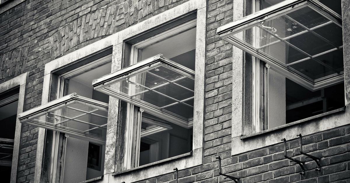 4 Causes of Window Failure During Hurricanes