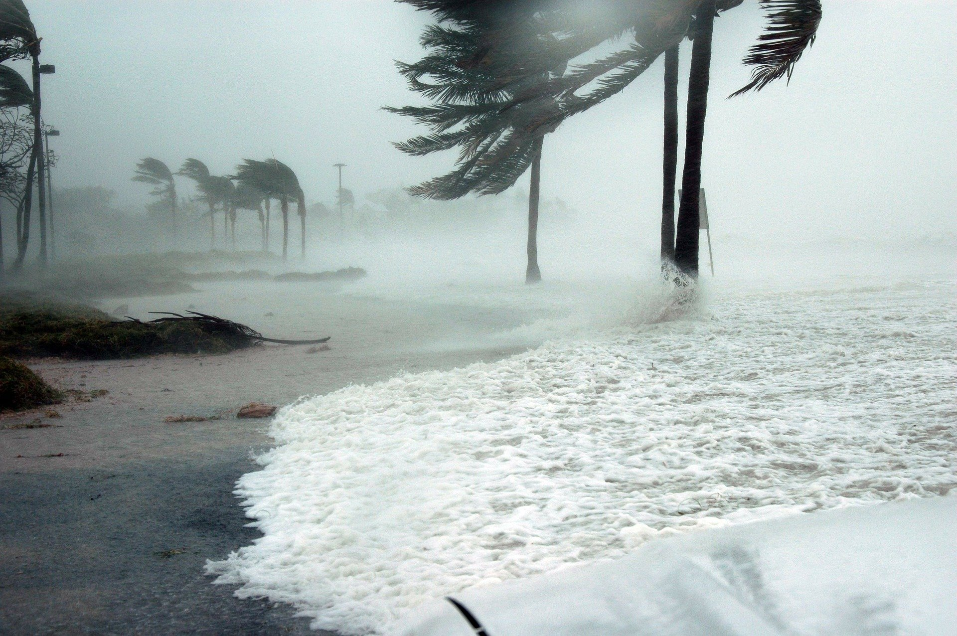 hurricane andrew hits florida